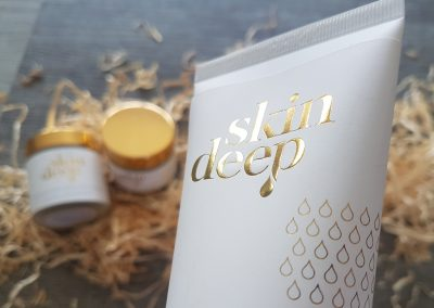 Close up of the gold foil printing on New Zealand skincare brand, Skin Deep's labels